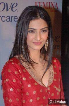 "{""token"":""2130""} - Sonam Kapoor in Red Tight Dress"