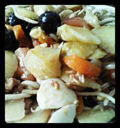 Ensalada de patata, zanahoria, huevo, tomate, aceitunas, gulas...y lo que más te guste. Tahona Artesanal Gourmet Bilbao.
