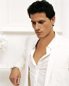 Ioan Gruffudd - love him in anything.
