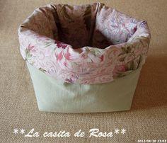 La casita de Rosa: Porta tijeras y Alfiletero con tira hilos. Patchwork Bags, Bean Bag Chair, Sewing, Club, Baby Hats, Pink, Handmade Crafts, Sewing Accessories, Aprons