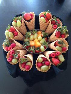 Fun Fruitcopias for Thanksgiving! Fun Fruitcopias for Thanksgiving! Fruit Centerpieces, Fruit Arrangements, Centerpiece Wedding, Table Wedding, Wedding Decoration, Fruit Buffet, Party Buffet, Fruit Display Wedding, Fruits Decoration