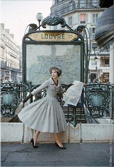 imandreamsfashion: A Christian Dior photo shoot in the Paris. 2019 imandreamsfashion: A Christian Dior photo shoot in the Paris. The post imandreamsfashion: A Christian Dior photo shoot in the Paris. 2019 appeared first on Vintage ideas. Glamour Vintage, Vintage Dior, Moda Vintage, Vintage Mode, Vintage Beauty, Vintage Dresses, Retro Vintage, Vintage Outfits, Vintage Paris