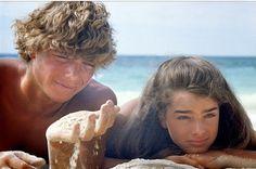 O filme A lagoa azul virou um clássico e é um título de grande sucesso pelo mundo até mesmo nos dias...