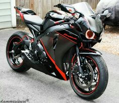 Though my family hates motorcycles i have always wanted one and this Honda cbr 1000 is my dream bike its so beautiful and once you crank that throttle you fly. So one day i will fly and it will be on this amazing bike Honda Motorcycles, Custom Motorcycles, Custom Bikes, Cars And Motorcycles, Vintage Motorcycles, Honda Cbr 1000rr, Motos Honda, Honda Bikes, Honda Motorbikes