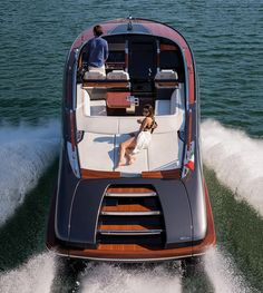 Riva's open-top showstopper is a celebration of the classic style of the legendary wooden Riva of the but brought right up to date. Wooden Speed Boats, Wood Boats, Yacht Design, Boat Design, Riva Boot, Base Nautique, Riva Yachts, Yatch Boat, Classic Wooden Boats