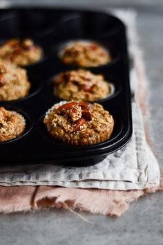 Havregrødsmuffins med banan Banan, Smoothie, Muffins, Snack Recipes, Goodies, Lunch Box, Breakfast Healthy, Cupcakes, Snack Mix Recipes