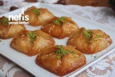 Kat Kat Kabaran Bohça Baklava Tarifi (Videolu İzle) Baklava Recipe, Baked Potato, Yogurt, Garlic, Sweets, Chicken, Meat, Vegetables, Cooking