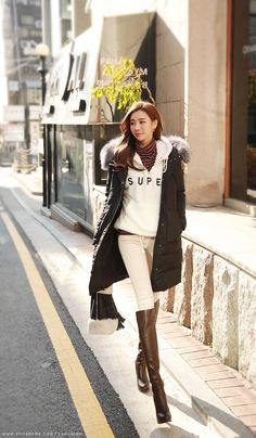 Korean Fashion Trends you can Steal – Designer Fashion Tips Korean Girl Fashion, Korean Fashion Trends, Korean Street Fashion, Korea Fashion, Asian Fashion, Korean Winter Outfits, Korean Outfits, Fashion Outfits, Fashion Tips