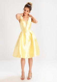 17b4c097ca71 59 bästa bilderna på Summerdresses i 2019 | Summer dresses ...