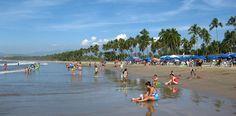 Tradición mexicana más lujo turístico es lo que ofrece Ixtapa - Zihuatanejo, dos pueblos gemelos que conforman el Triángulo del Sol junto a Acapulco. Más info en: http://www.rutas365.com/es-mexico-ixtapa-zihuatanejo-atractivos-turisticos/