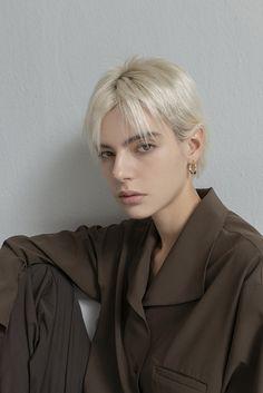 Hair Inspo, Hair Inspiration, Short Hair Cuts, Short Hair Styles, Model Face, Androgynous Fashion, Girl Model, Woman Face, Pretty Face