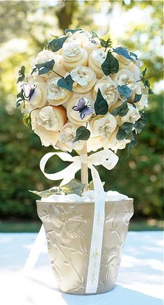 Stunning cupcake bouquet by Sophie Bifield Cake Company