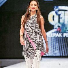 #samysays #sarwatgillani #day1 #fpw #fpw16 #fashionpakistan #fashionpakistanweek #urdu1 #followme #insta #instagram #instapic #instagood #instafollow #instagramers #instalike #instafashion #instafamous #lifestyle #style #model #glam #glamour #brand #designer #artist #fashion #fashionista #fashionblogger
