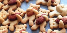 Getting excited about the new Paddington Bear Movie heading our way. well check these Hugging Bear Cookies out! We love baking with kids and I LOVE baking quirky cookies. So we when we saw these amazing Bear Hug Cookies, we… Cute Food, Yummy Food, Tasty, Awesome Food, Teddy Bear Cookies, Diy Teddy Bear, Cookie Recipes, Dessert Recipes, Cookie Ideas