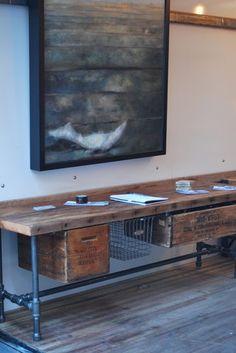 Een prachtige buffetkast, een enorme boekenkast of een ladekast: stuk voor stuk meubelen die ervoor zorgen dat je interieur een bepaalde uitstraling k