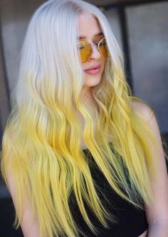 26 Gorgeous White Blonde & Yellow Hair Color Trends for 2018 - Couleur Cheveux 01 Yellow Hair Color, Cool Hair Color, Green Hair, Hair Colours, White Blonde Hair, Blonde Ombre, Ombre Hair, Pelo Multicolor, Hair Color Images