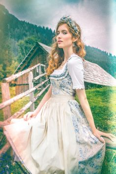 Die schönsten Dirndl 2016 - hier ein Modell von Lena Hoschek
