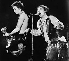Sid Vicious, left, on base guitar and Johnny Rotten of the punk rock group The Sex Pistols perform in front of a capacity crowd at San Francisco's Winterland auditorium Saturday night January 15, 1978. This was the Sex Pistols' last stop on their American tour.Dolores dice ... Wash That Man Right Outta Your Hair10 Things You Didn't Know about Eva mendesCuidado Con El AngelBeverly Hills ChihuahuaShoes for Next Season  Photo: ASSOCIATED PRESS