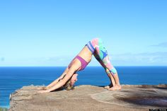 11 posturas báscias de yoga que todo mundo finge que sabe, mas...