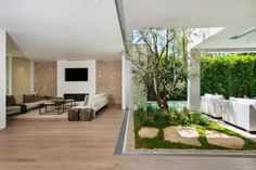House at 535 West Knoll, West Hollywood by Amit Apel Design