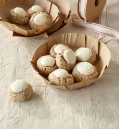 Cinnamon Balls Recipe- Zimtkugeln Rezept Our balls are made much faster than conventional cinnamon stars. And so delicious! Biscuit Cookies, No Bake Cookies, No Bake Cake, Cake Cookies, Baking Muffins, Baking Cupcakes, Cinnamon Balls Recipe, Holiday Baking, Christmas Baking