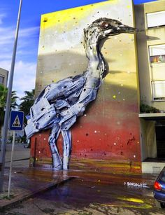Portuguese street artist 'Bordalo Segundo' transforms trash into giant 3D animal portraits http://designwrld.com/street-artist-transforms-trash-into-art/ ♥≻★≺♥