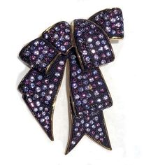 Pre-owned Joan Rivers Gold Tone Hardware Ribbon Bow Purple Crystals... (1 945 UAH) ❤ liked on Polyvore featuring jewelry, brooches, preowned jewelry, purple jewellery, gold tone jewelry, hardware jewelry and purple brooch