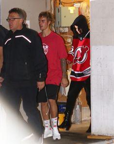 Selena Gomez Justin Bieber red hockey shirt November 2017