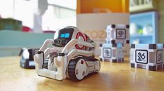 Review: Anki's Cozmo is a super smart, playful, and adorable toy robot