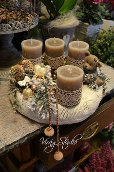 Terrific Free of Charge Beeswax Candles decoration Popular Rolling and decorating beeswax candles is a simple strategy to develop wonderful and healthy as we Christmas Advent Wreath, Christmas Candles, Rustic Christmas, Christmas Time, Advent Wreaths, Nordic Christmas, Modern Christmas, Advent Candles, Diy Candles