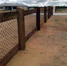Casual Farmhouse Fence Design Ideas For Front Yard To Have – Modern Front Yard Fence, Farm Fence, Diy Fence, Farm Yard, Fenced In Yard, Fence Ideas, Fence Options, Garden Ideas, Farmhouse Landscaping
