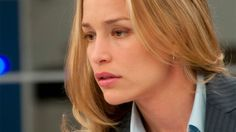 Annie Walker (Piper Perabo) in the Covert Affairs episode 'Communication… Annie Walker, Piper Perabo, Covert Affairs, White Shirts Women, Double Life, Episode Guide, Great Hair, Best Actress, Girl Crushes