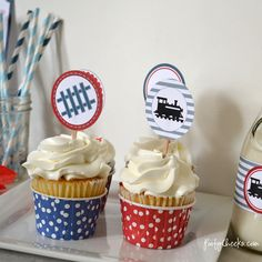 Free train party printables to use for a train themed party. Free printables for invitations, thank you tags, cupcake toppers and water bottle labels.