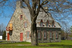 Country house of Quebec, the old presbytery of Deschambault Quebec, Canada) by Thierry Preusser on YouPic Old Quebec, Quebec City, Old Stone Houses, Old Houses, Architecture Résidentielle, Stone Cottages, Stone Masonry, French Colonial, Historic Homes
