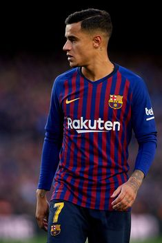 Philippe Coutinho of FC Barcelona looks on during the La Liga match between FC Barcelona and Real Madrid CF at Camp Nou on October 2018 in Barcelona, Spain. Get premium, high resolution news photos at Getty Images Barcelona Fc, Barcelona Football, Camp Nou, Coutinho Wallpaper, Real Madrid, Sports Images, Football Wallpaper, Philippe Coutinho, Short Hairstyles