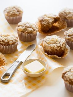 Our Streuseled Acorn Squash Muffins is the perfect seasonal muffin recipe. The streuseled top gives these muffins an great crunch on the top. Fall Recipes, Sweet Recipes, Squash Muffins, Acorn Squash Recipes, Acorn Squash Dessert Recipe, Butternut Squash, Spoon Fork Bacon, Muffin Recipes, Sweet Bread