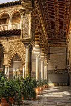 Patio de Doncellas, Reales Alcázares de Seville, Spain