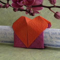 http://www.origamispirit.com/wp-content/gallery/designed-and-folded-by-leyla/02-love-messenger.jpg