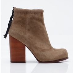 467c00ce8e3d9e JC Taupe Suede Rumble boots Jeffrey Campbell rumble boots in color taupe  suede minor signs of