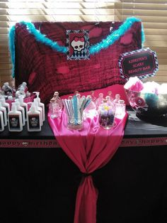 Awesome Monster High spooky spa party....I'm thinking this could beincorporated into a Halloween party sleepover and grown up a bit forteens!!??
