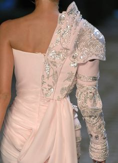 Wedding armour? I NEED THIS IN MY LIFE