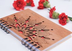 Wooden notebook with beautiful mandala design (Wood notebook, Wood journal) Make this exclusive piece without any additional cost. Diy Notebook, Notebook Covers, Notebook Design, Laser Cutter Ideas, Laser Cutter Projects, Wooden Gifts, Wooden Diy, Diy Keyring, Wooden Workshops