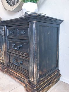 blending paint colors, gradual distressed look, farmhouse furniture, naturally worn furniture, ombre painting technique