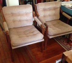 Mid century modern pair chairs