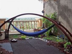 DIY Hammock stand - simple looking (hope it is!) and can make an adaptable canopy to block sun or rain while relaxing. Jungle Hammock, Rope Hammock, Diy Hammock, Hammock Swing, Hammocks, Backyard Projects, Diy Wood Projects, Outdoor Projects, Backpacking Hammock
