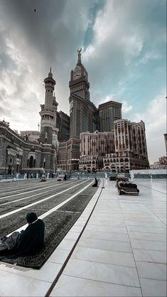 Mecca Wallpaper, Masjid Al Haram, Mekkah, Girly Drawings, Madina, Pilgrimage, Islamic Art, Mosque, Instagram Story