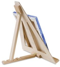 Woodworking For Kids Table Top Easel, Back View - to make for the kids this summer. Woodworking Projects For Kids, Diy Woodworking, Wood Projects, Woodworking Classes, Woodworking Furniture, Diy Easel, Wooden Easel, Diy Table Top, A Table