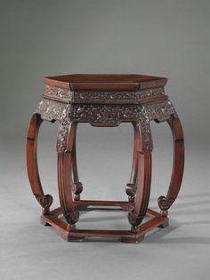 A HEXAGONAL HONGMU STOOL -  19TH CENTURY
