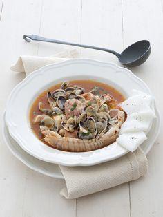 Porta in tavola il brodetto alla triestina: prova la ricetta di Sale&Pepe e delizia i tuoi commensali con una selezione dei migliori sapori offerti dal mare.