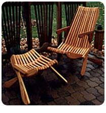 This folding outdoor chair is easy to make good looking
